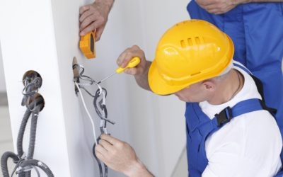Don't Get Shocked By Bad Service: 3 Things You Should Look For When Hiring An Electrician